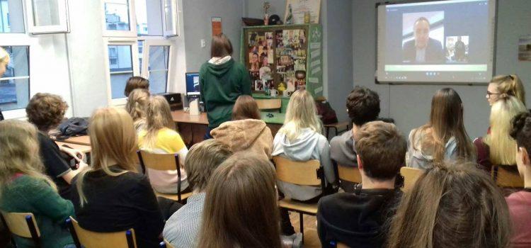 Spotkanie uczniów 17 LO z Dyrektorem Generalnym Microsoft Polska